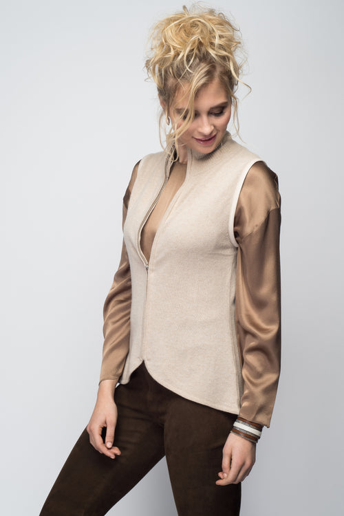 Cashmere Vest with Leather Piping in Oatmeal
