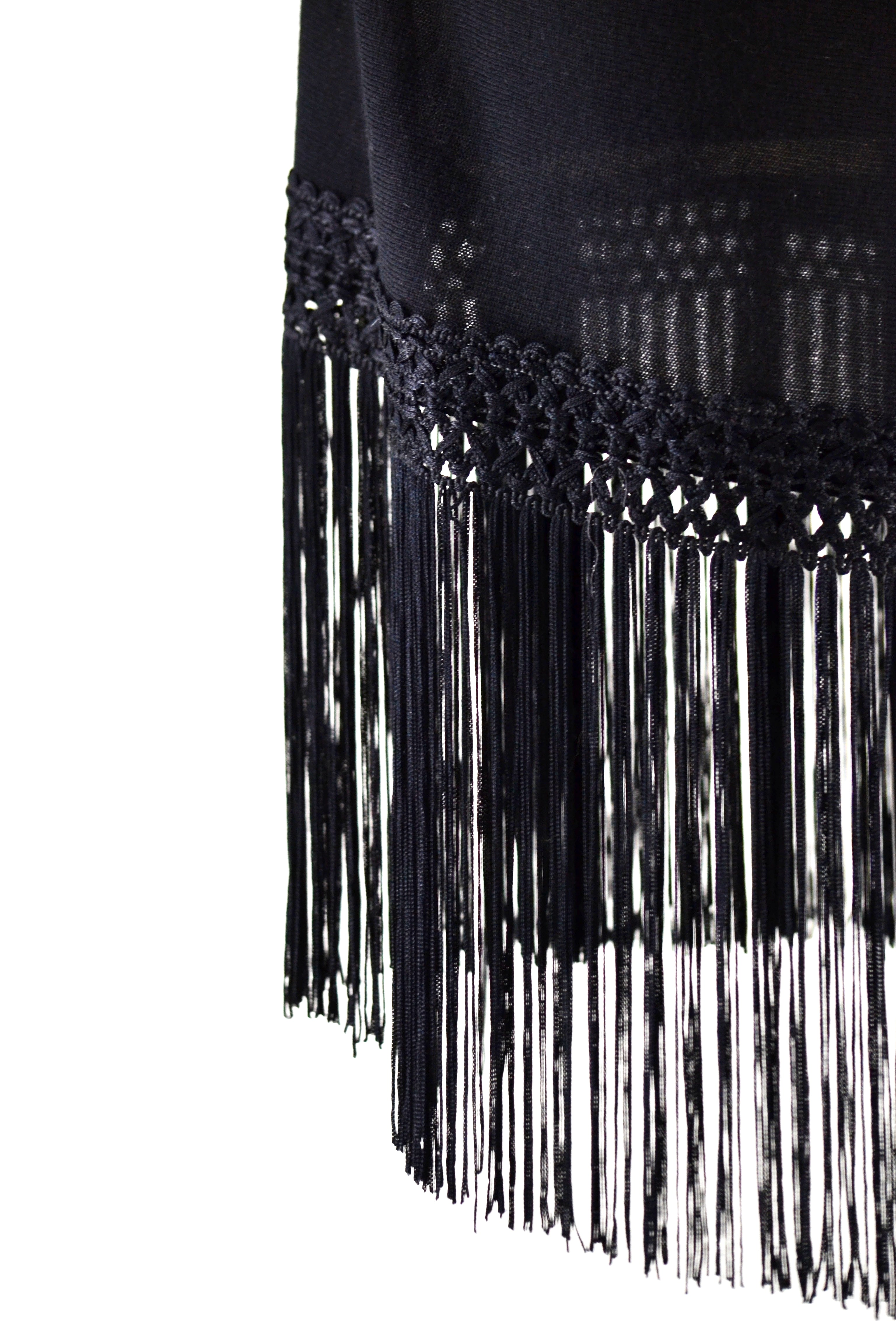 Fine Cashmere Wrap With Silky Macrame Fringe in Black