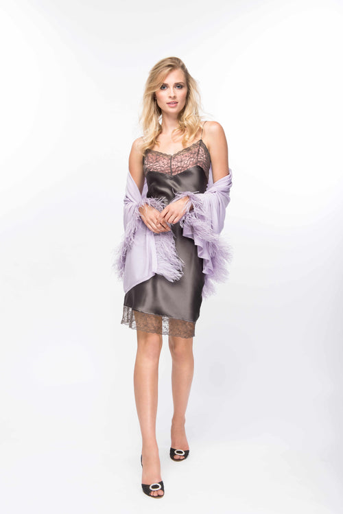Fine Cashmere Wrap with Double Ostrich Feathers in Lavender