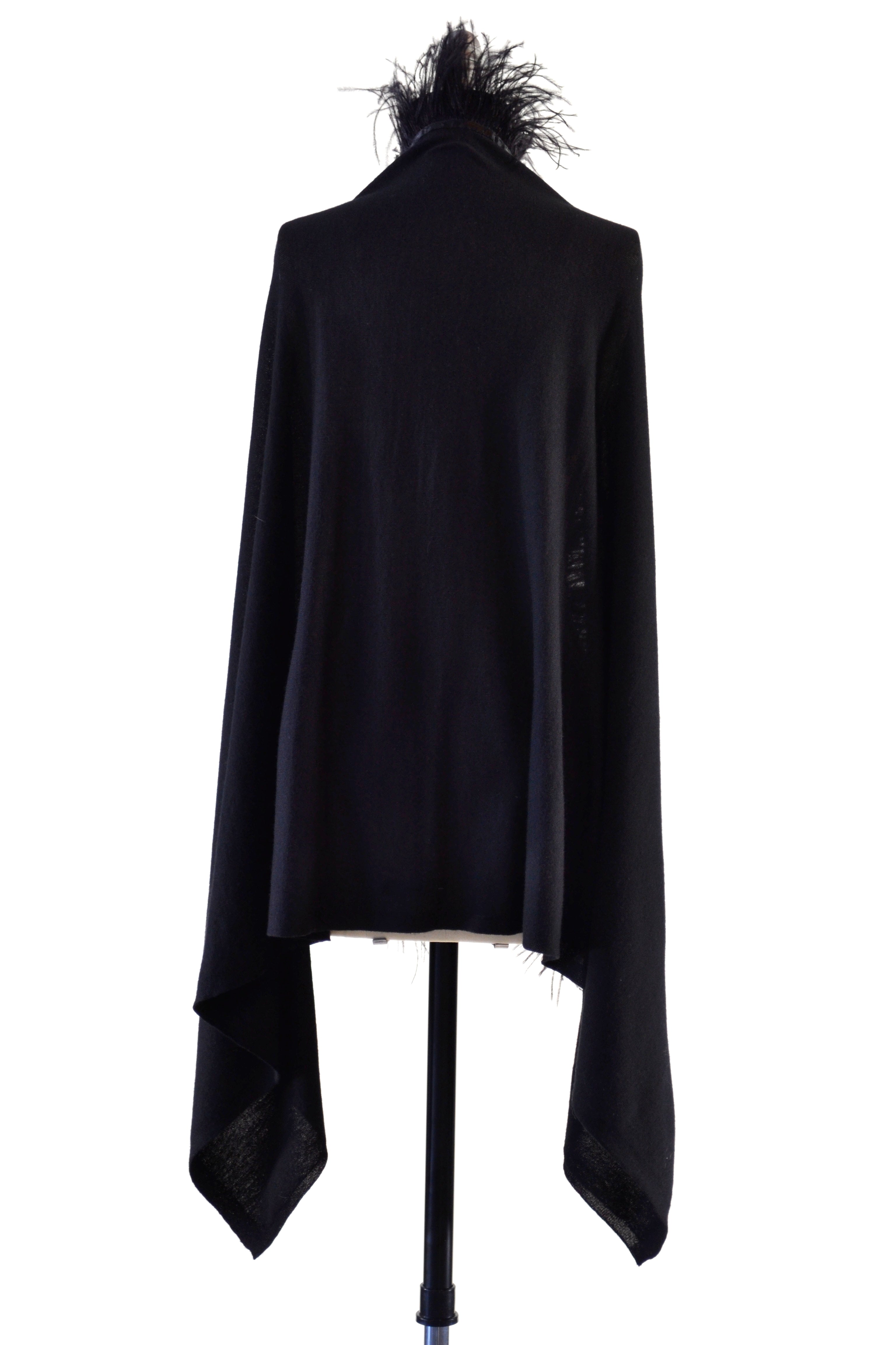 Fine Cashmere Wrap with Long Ostrich Feathers in Black