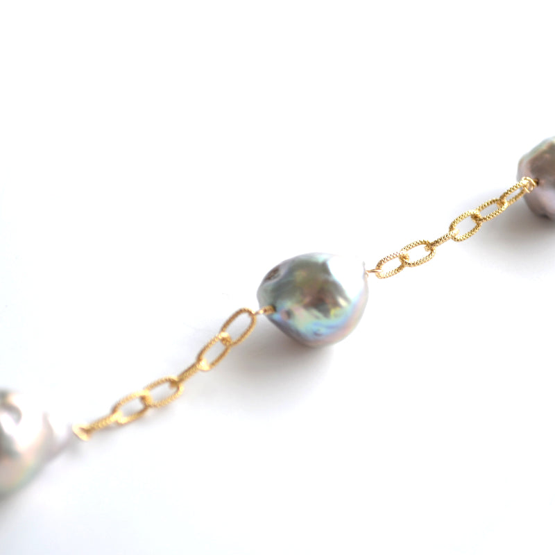 Gray baroque Pearl Chunky Cable Link Lillypad Necklace