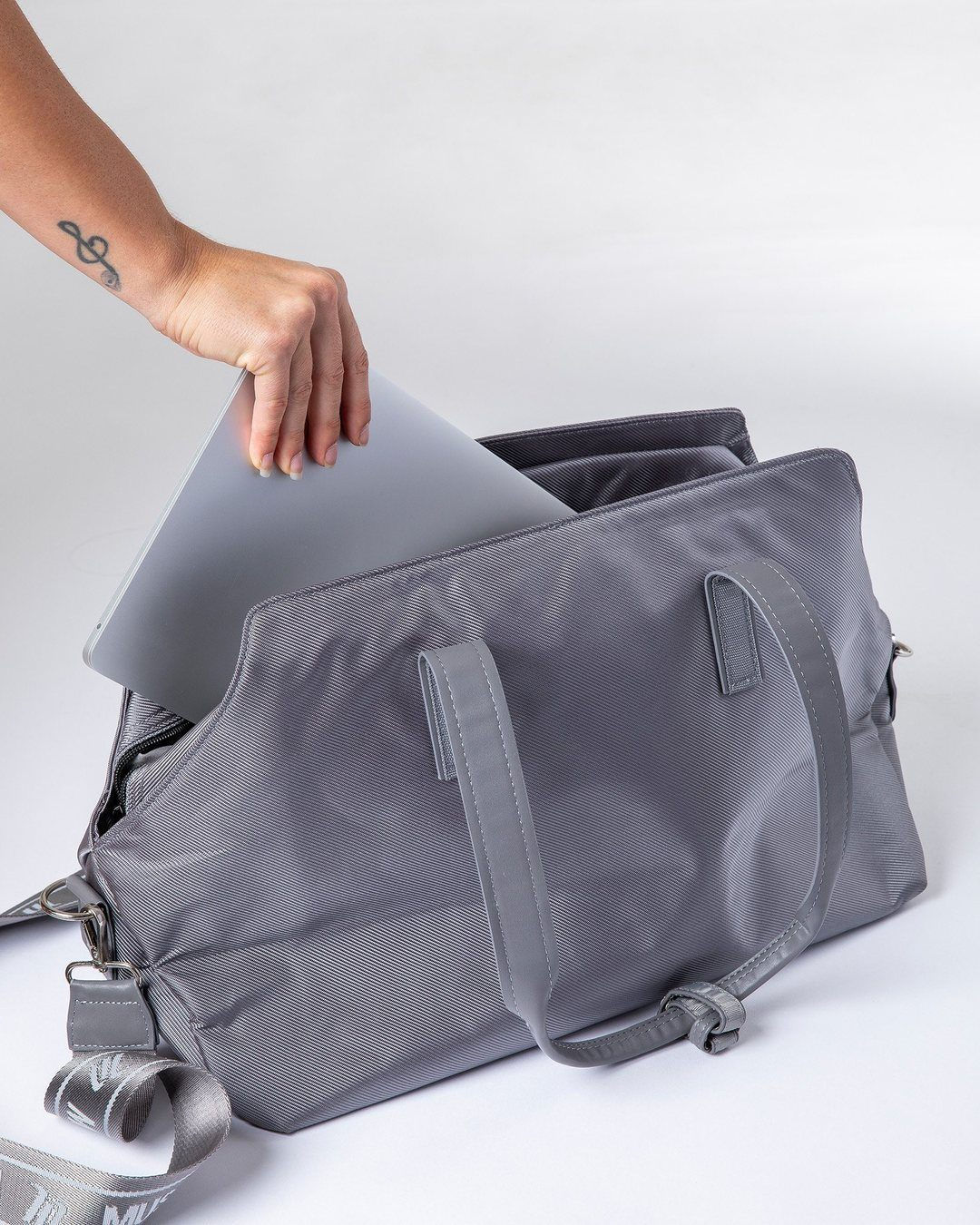 Muscle Nation Luxe Gym Bag - Silver