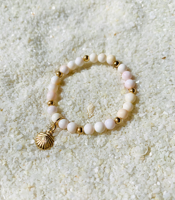 New Born Sea Shell Bracelet 14k