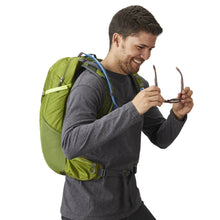 Gregory Packs Citro 24 H2O Men's Hydration Pack 24L Mantis Green in use