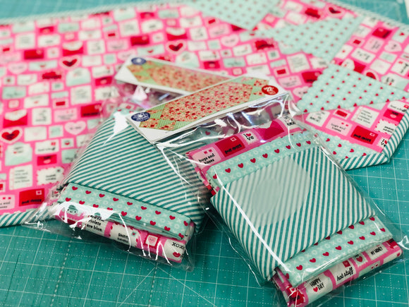 Valentine Love Notes Table Runner Kit