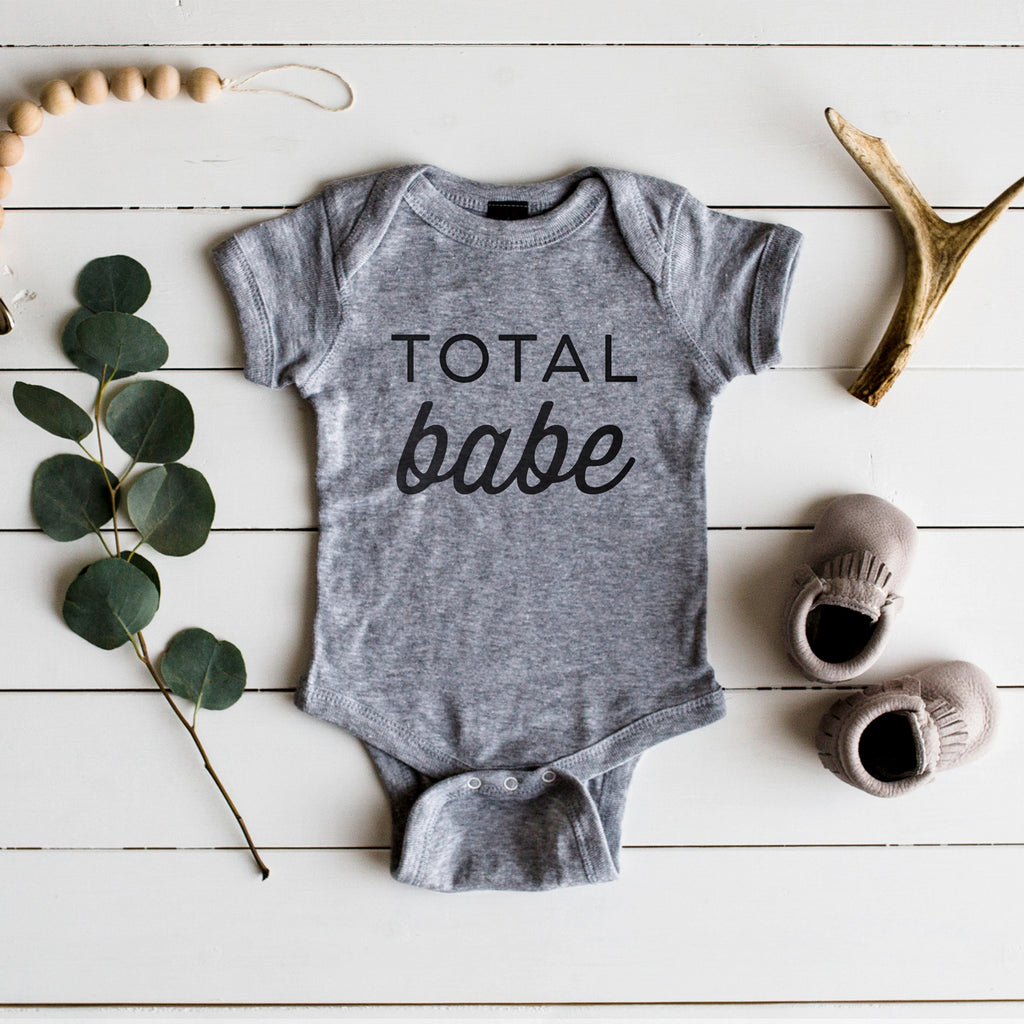 The Oyster's Pearl - Gray Long Sleeve Total Babe Baby Bodysuit