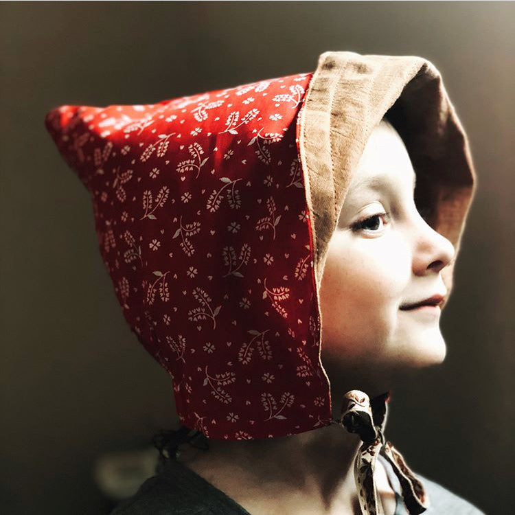 Indi Scout - Reversible Gnome Bonnet - Rust/Red