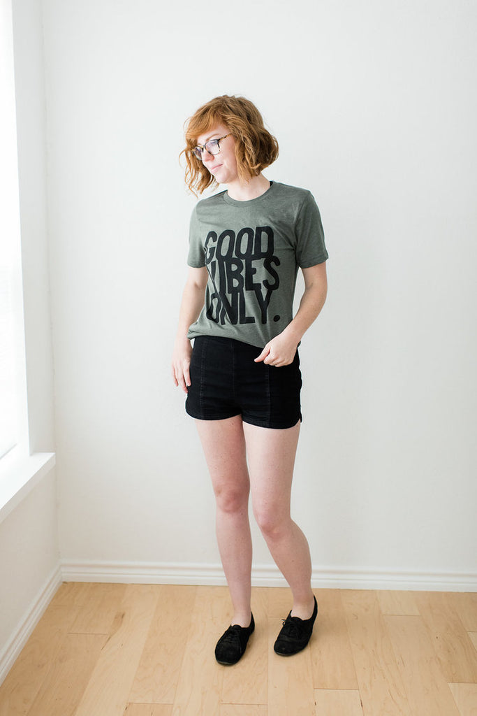 Ramble and Company - Good Vibes Only Graphic Tee
