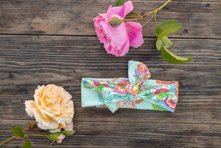 Emma Grace Shoppe- Mint Floral Bow Knot