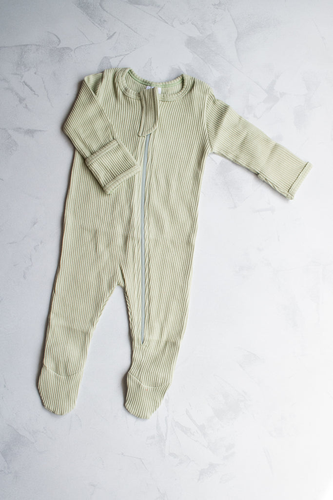 Emma Grace Shoppe- Ribbed Basic Zipper Footie, Fern Green