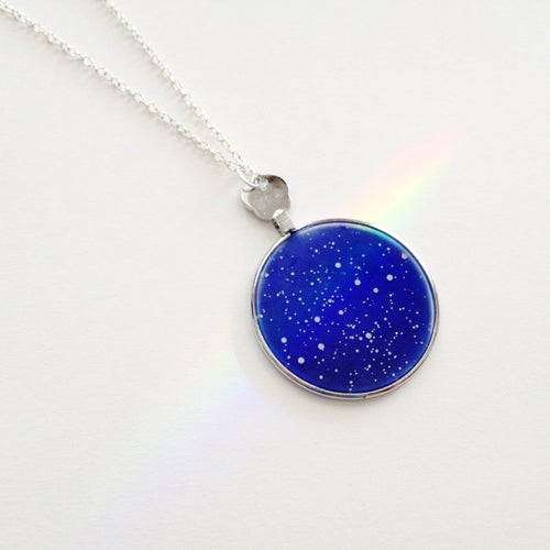 Sky and Light astronomy pendants use the time, date and location of a cherished memory and creates a star map that matches the sky at that time, from your chosen location. Choose a first kiss, memorial, birth or a memory known only to you. Pendants are handpainted on medical-grade opticians lenses.