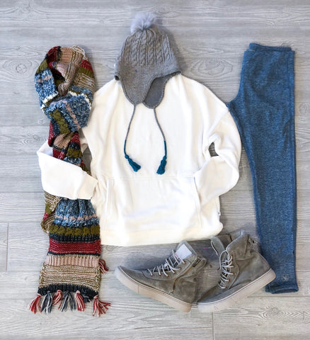 Winter Cozy Outfits with Leggings, Sweaters, and Scarves