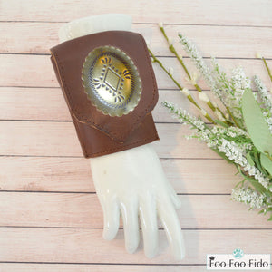 Wrist Wallet Cuff in Brown Leather with Concho