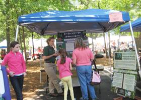 Blue gazebo tent for environmentalists events