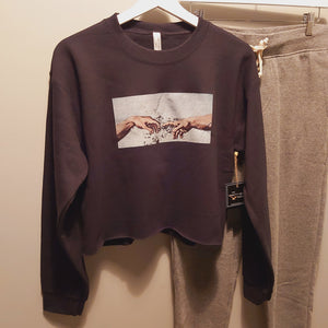 Touching fingers - crop crew neck