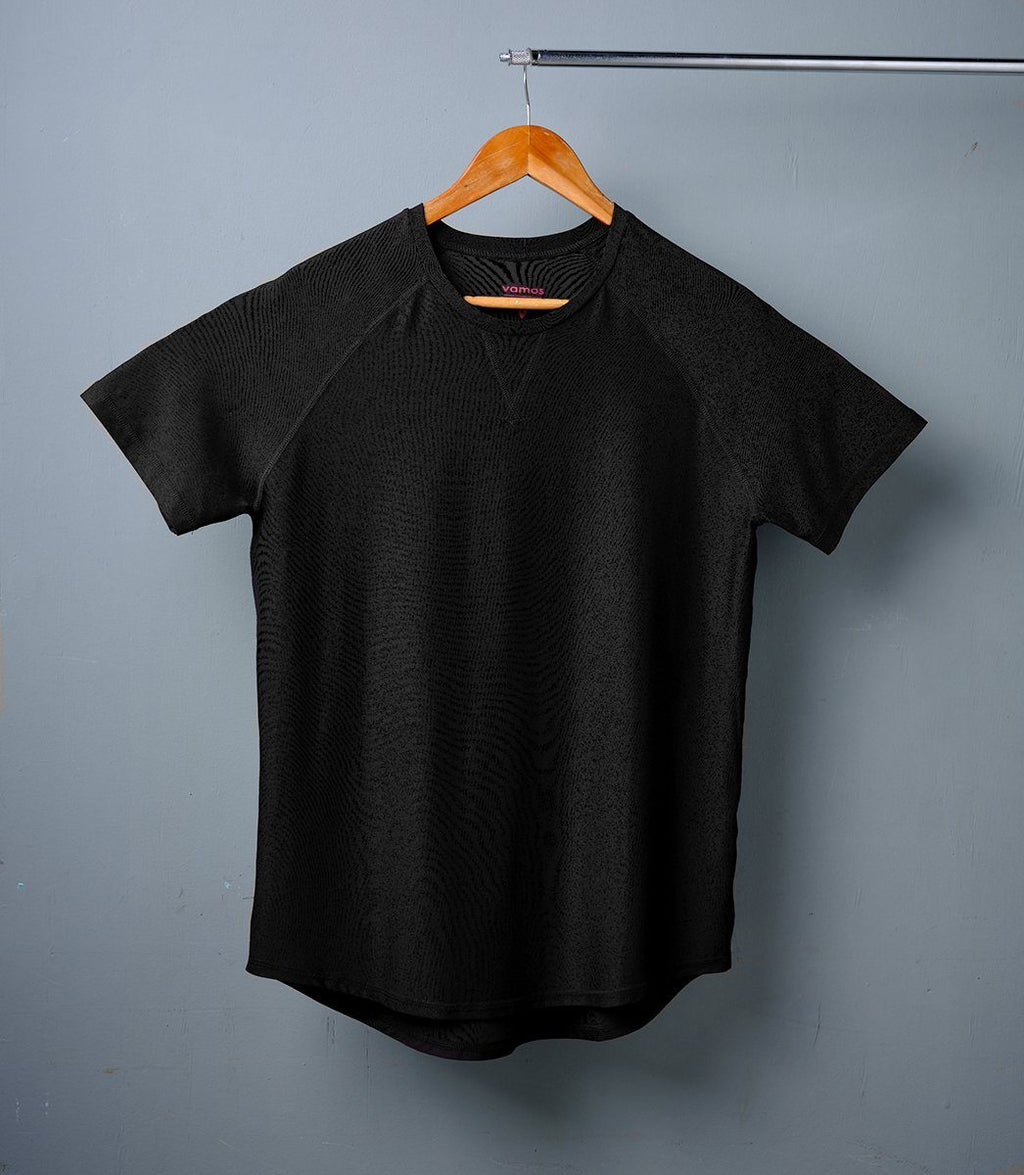 TECH TEE (BAT BLACK)