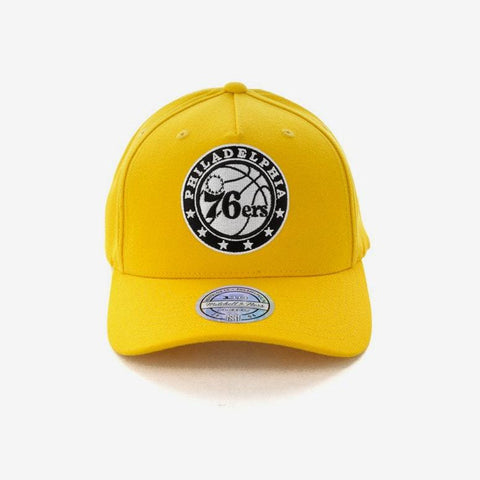 Mitchell + Ness 76ers 110 Snapback In Yellow
