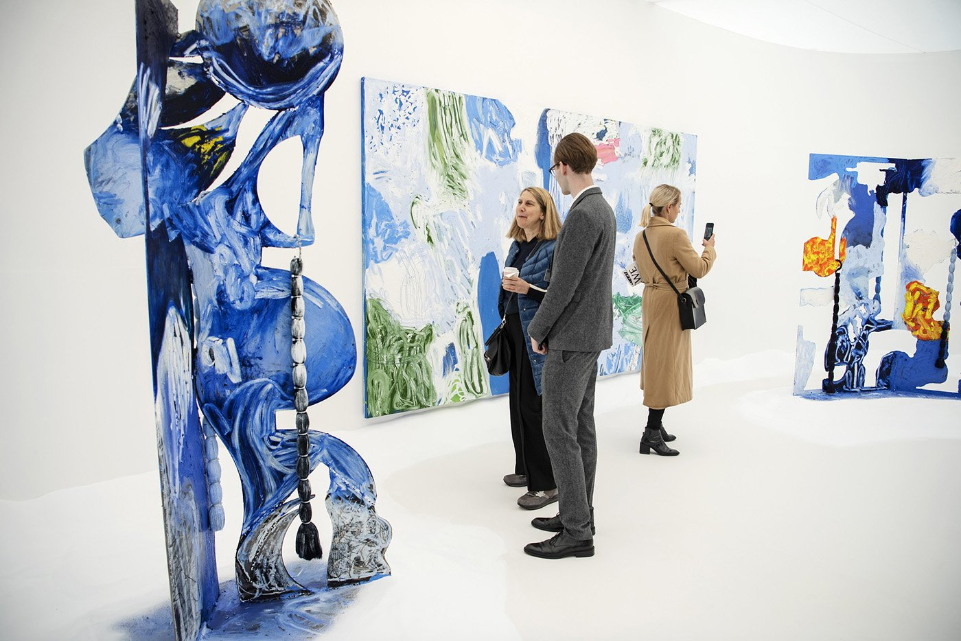Donna Huanca, Simon Lee Gallery, Photo by Linda Nylind. Courtesy Linda Nylind Frieze