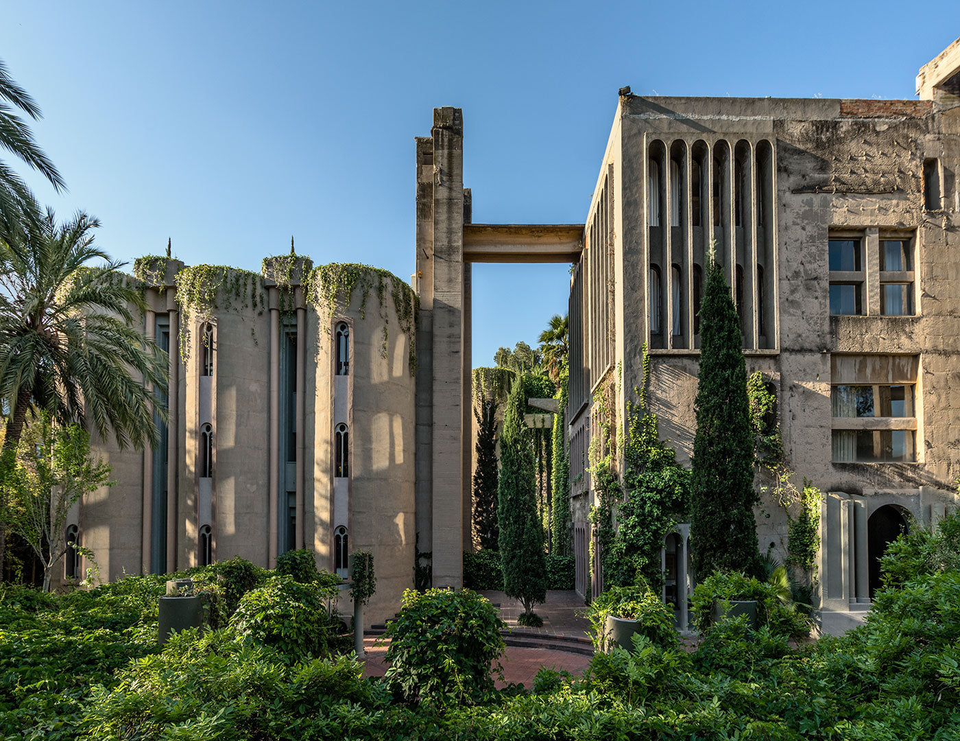 Architect Ricardo Bofill Builds a Concrete Paradise