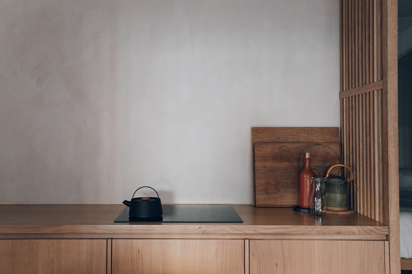 Detail shot of the kitchen and walls in a studio designed by Izat and Arundell in Edinburgh. (Photo: Haarkon)