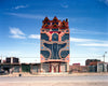 Building in Bolivian city El Alto. Front designed by artist Freddy Mamani. (Photo: Nio Tatewaki)