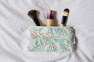 Eucalyptus Leaves Zipper Pouch