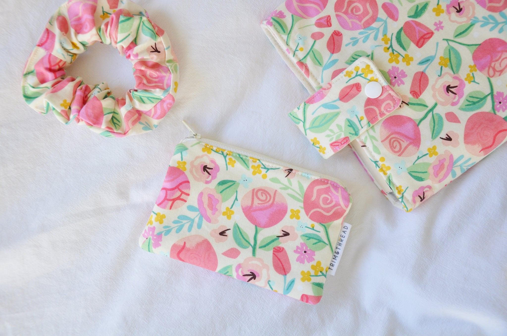 Rose Garden Cream Coin Pouch