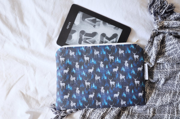 Stag of Terrasen Kindle Pouch