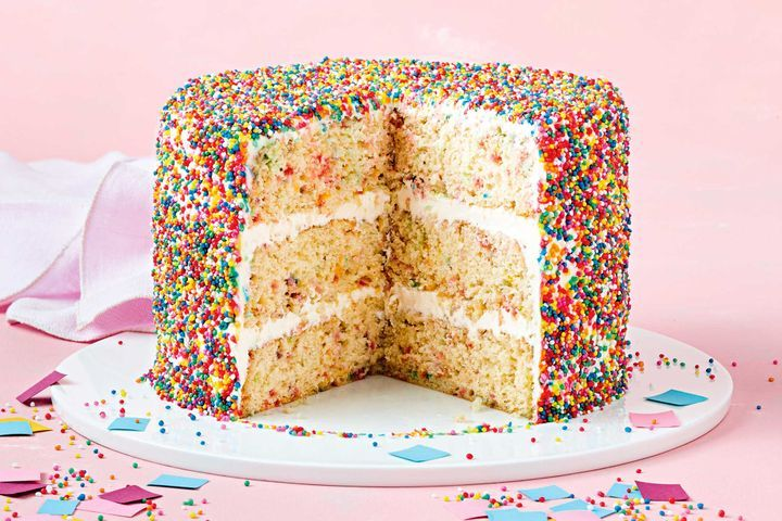 Add a spark to your Jojo Siwa party with this recipe for a Sparkle Cake