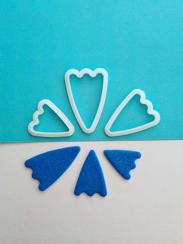 Wiggly Base Triangle Shape Cutter Set