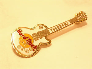 YOKOHAMA WHITE LES PAUL GUITAR LOGO HARD ROCK B16B-180 hrc enamel pin mint cond