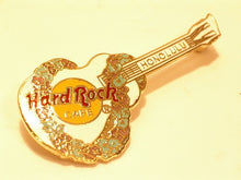 HONOLULU B15-232 hard rock cafe pin MINT CONDITION - purple to green Lei Pattern