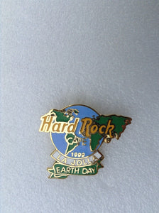 LA JOLLA HARD ROCK CAFÉ PIN B9-363Earth Day 1999 - Green & Blue Map of World