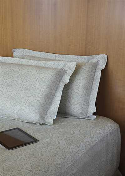 Stoa Paris King Bedsheet With 2 Pillow Covers