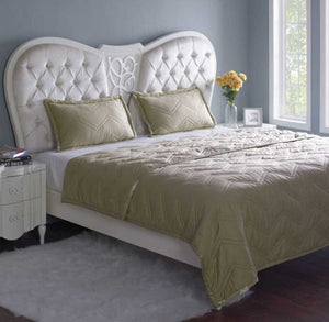 Stoa Paris Quilted King Comforter With Pillow Covers