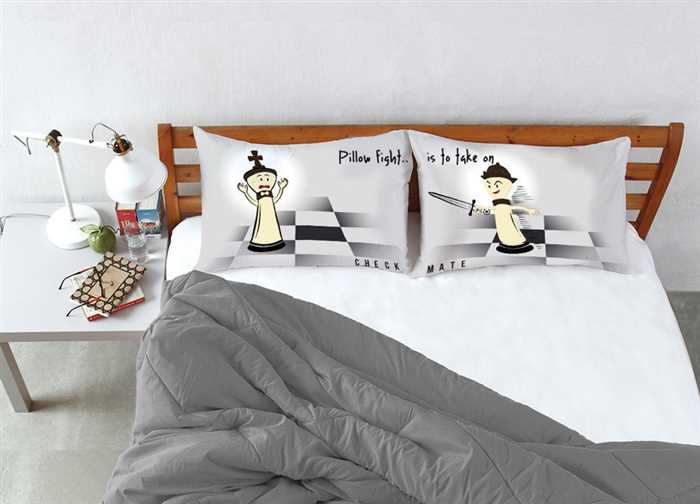 Stoa Paris Pillow Fight Check Mate King Bedsheet Set