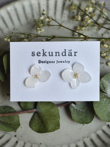 Flower earrings WHITE