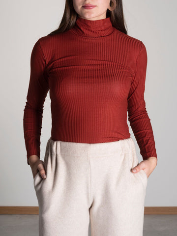 JAN 'N JUNE copper coloured turtle neck sweater | Kupferfarbener Rollkragenpulli aus Tencel Jersey