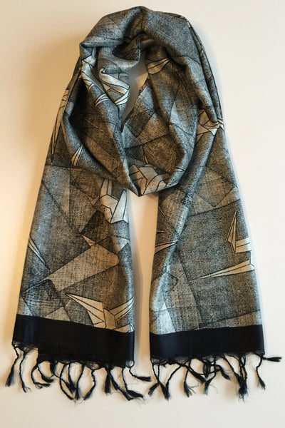 Peace silk scarf black and white blockprinted Folklorica | Eri Seidenschal handgewebt Origami