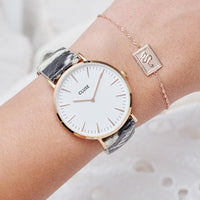 CLUSE 18 mm Strap White Python/Rose Gold CLS087 - Strap on wrist