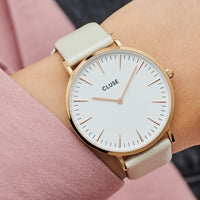 CLUSE Strap 18 mm Leather Warm White Metallic/ Rose Gold CS1408101056 - strap on wrist