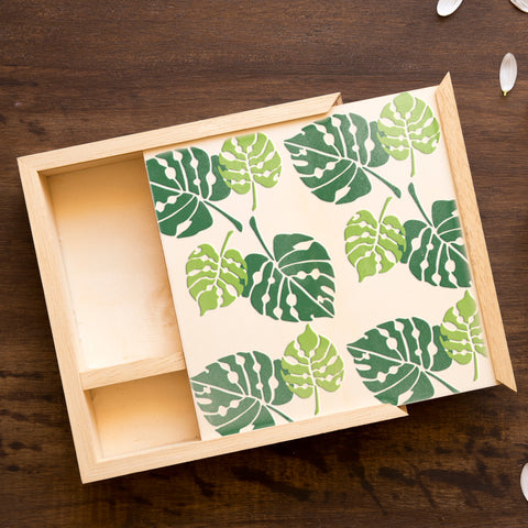 CraftStar Monstera Leaf Stencil Set on Wooden Box