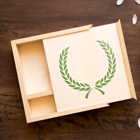 CraftStar Laurel Wreath Stencil Seton Wooden Box