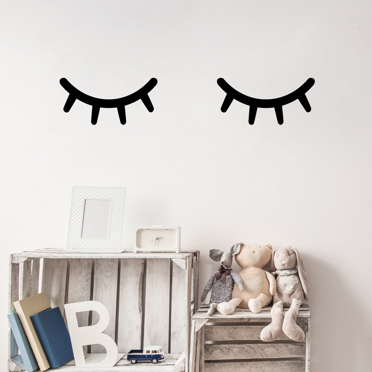 CraftsStar Sleepy Eyes Wall Stencil in Kids Bedroom