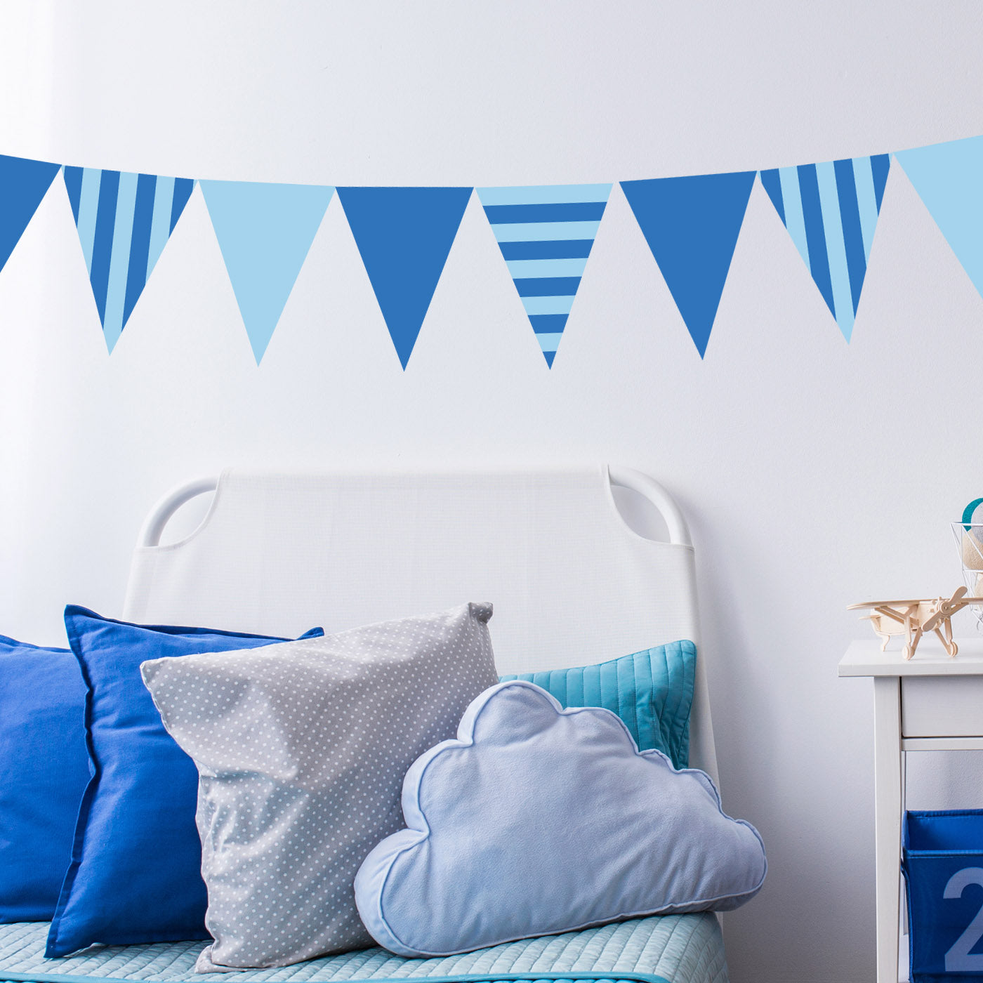CraftStar Striped Bunting Stencil Set - Horizontal and Vertical