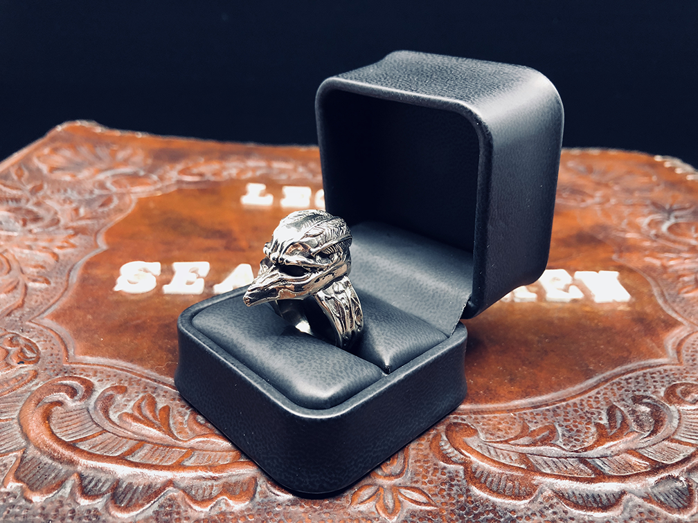 LEGEND ICON RING