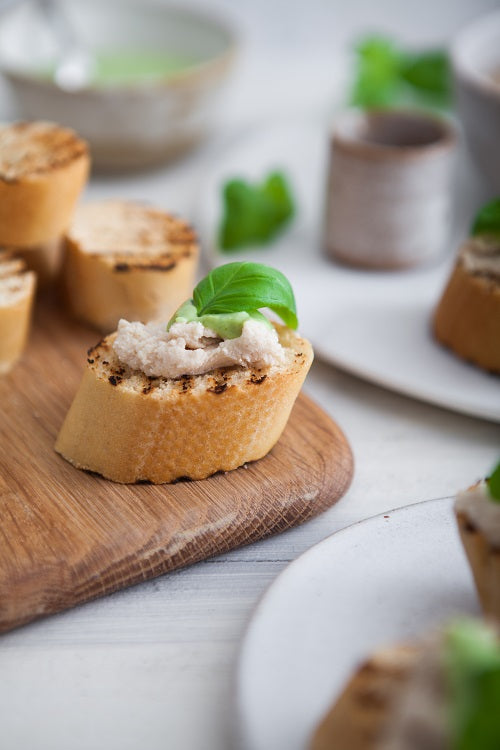 White Bean Crostini with Garlic Basil Sauce