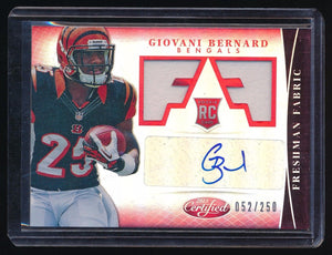 GIOVANI BERNARD 2013 CERTIFIED MIRROR RED JERSEY RC AUTO 052/250 *BENGALS*