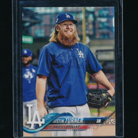 JUSTIN TURNER 2018 TOPPS BASE SET PHOTO VARIATION /BLUE PULLOVER *DODGERS*