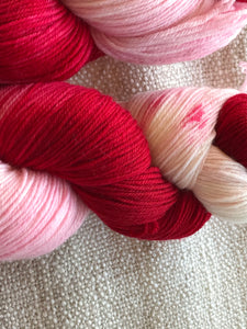 Raspberry and cream 4 ply sock yarn